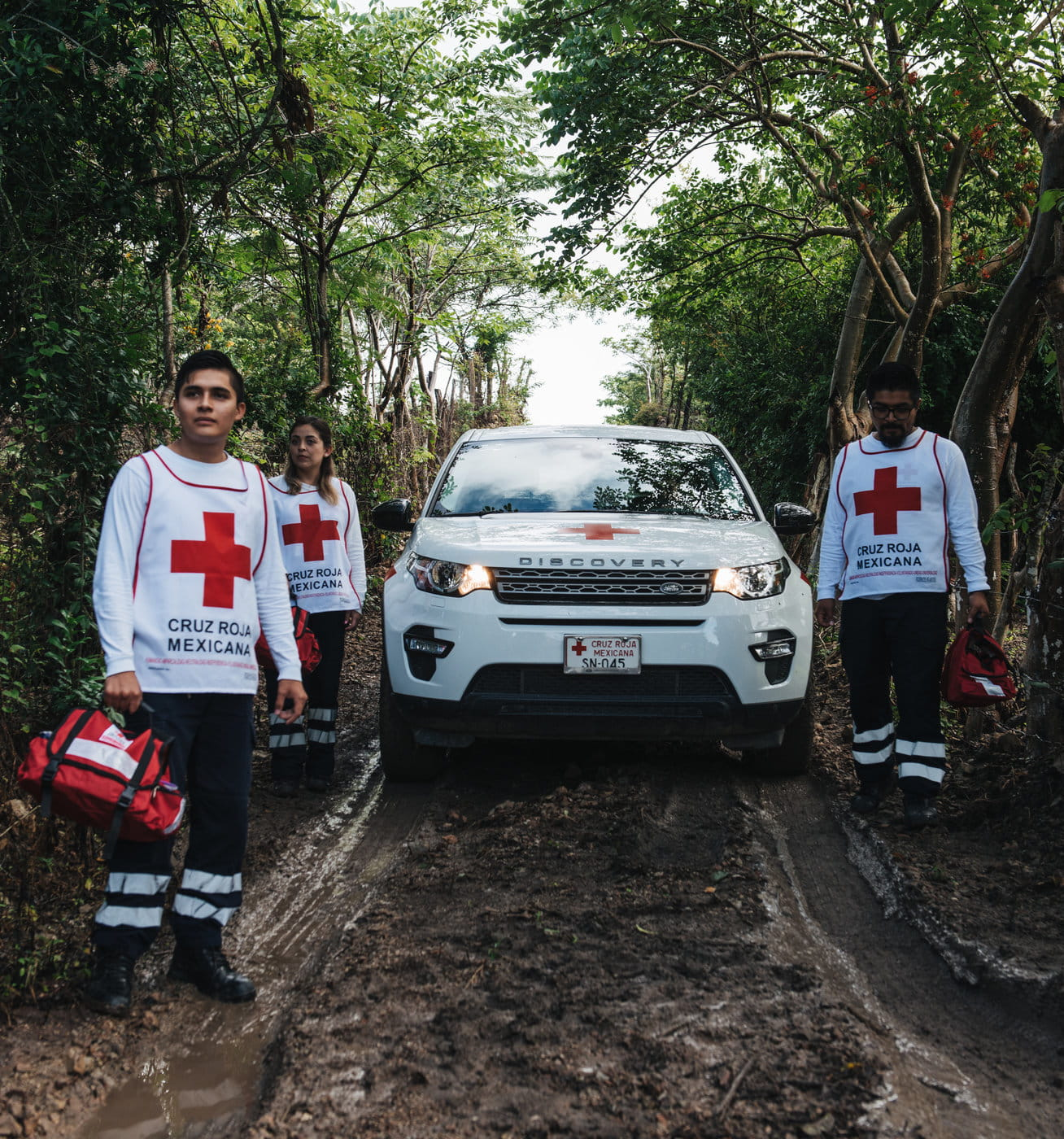 red cross team with landrover